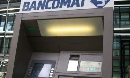 Villafranca, rubano il carro attrezzi e sfondano il bancomat