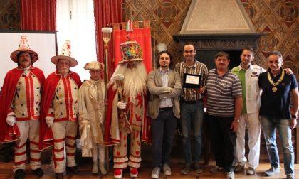 Costruttori carnevaleschi: trofeo nel villafranchese