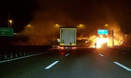 Autobus ungherese andato a fuoco, l'autista ha la malattia del sonno