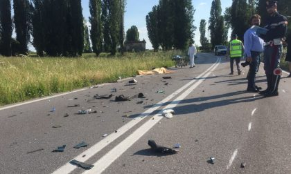 Frontale auto-moto, morto 44enne