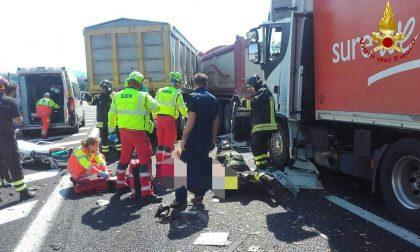 Tamponamento tra tre camion, due feriti