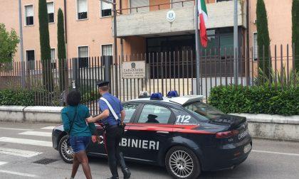 Castelnuovo, due multe per prostituzione e arresto per rapina