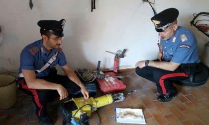 Minaccia l'ex datore di lavoro, arrestato un albanese