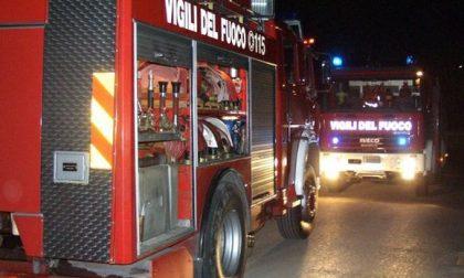 Paura a Dossobuono, fiamme in un garage in via Giulio Verne