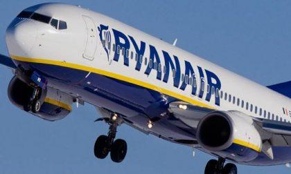 Stretta Ryanair si paga il bagaglio a mano a bordo