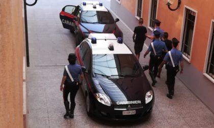 Minacciano di morte la vigilante, arrestati