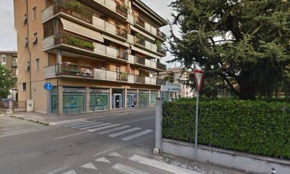 Pedone investito in via Fincato, condizioni serie