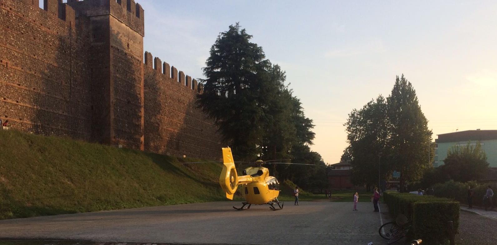 Elicottero 118 Verona : Malore in casa elisoccorso al castello verona settegiorni