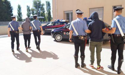 Rubano abbigliamento e calzature, arrestati due marocchini