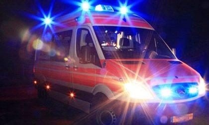 Auto nel fossato: muore il conducente