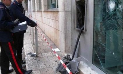 Bombe e doppie vite, arrestata la banda del bancomat