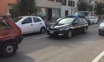 Tamponamento in via Bixio, coinvolte tre auto