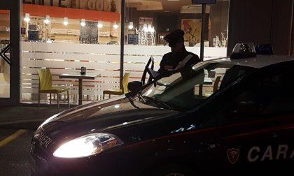 Calci, pugni e morsi ai Carabinieri: arrestata