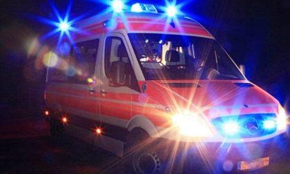 Auto rovesciata in tangenziale sud: un ferito
