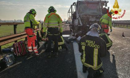 Incidente sull'A22, immagini e video dei soccorsi