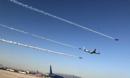 VIDEO / FOTO Neos, il nuovo 787 a Villafranca con le Frecce Tricolori