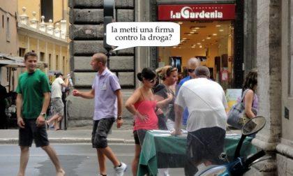 """Verona, il sindaco blocca i """"chiedifirma"""" molesti"""