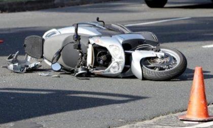 Travolge scooter e scappa, arrestato un 30enne