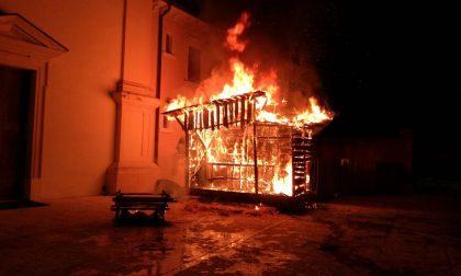 A fuoco il presepe di San Zeno di Mozzecane