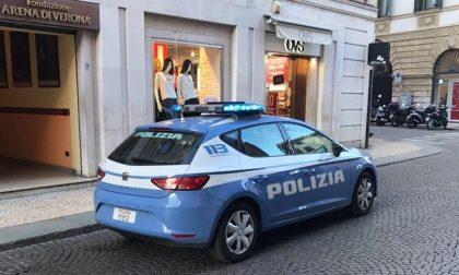 Indossa e tenta di rubare delle scarpe, arrestato