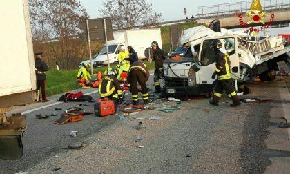 Tamponamento sulla Transpolesana, due feriti