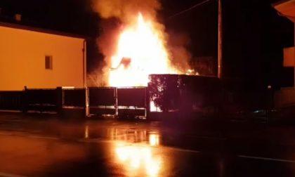 VIDEO Castel d'Azzano, in fiamme un camion