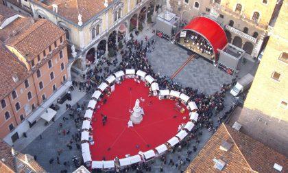 """""""Verona Sposi"""", è polemica sulle coppie gay"""