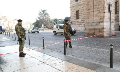 Allarme bomba Verona chiusa Piazza Bra