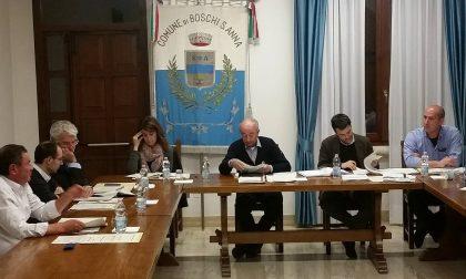 Consiglio comunale fiume a Boschi Sant'Anna