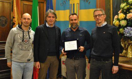 Giacometti premiato dal sindaco Sboarina