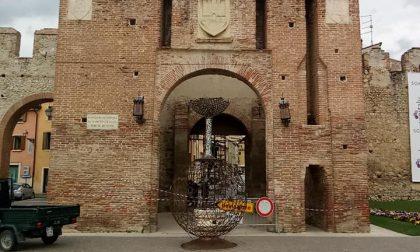 Vinitaly accoglie la scultura di Bertocesco a Porta Verona