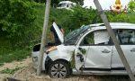 Auto fuori strada tre feriti