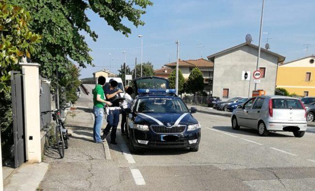 Auto contro bici un ferito a Dossobuono