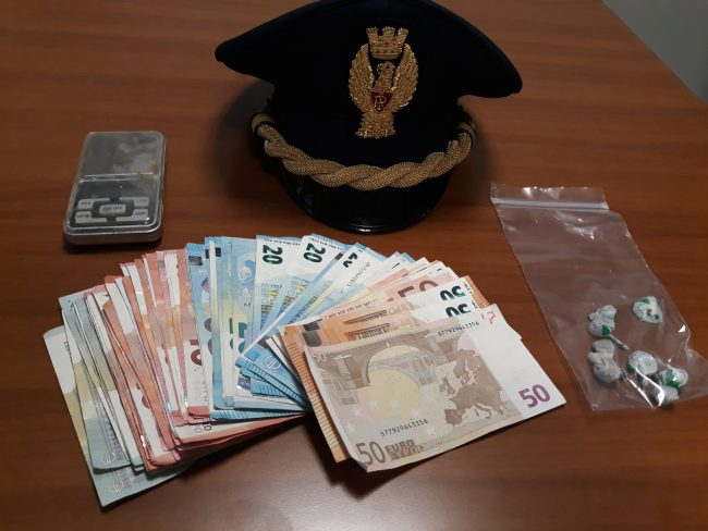 Catania, spaccio di droga e furti: 16 provvedimenti cautelari