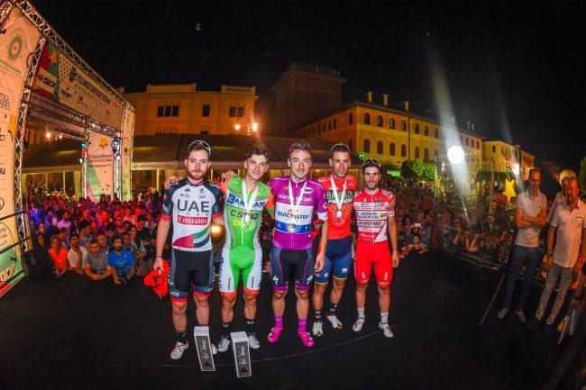 Elia Viviani show alla Cycling Stars Criterium