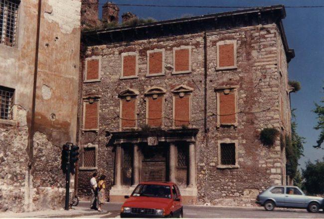 Restauro sede sezionale Ana. Questa mattina iniziano i lavori alla Casa del Capitanio, sede degli alpini.