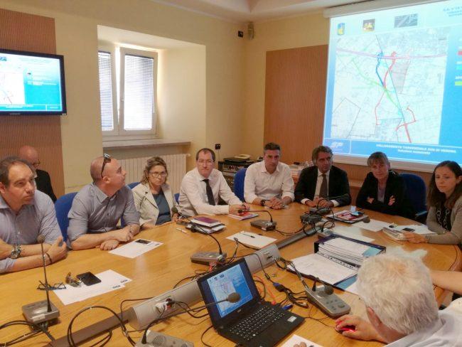 Variante statale 12. Conferenza di servizi approva progetto preliminare con svincolo all'Alpo.
