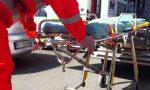 Frontale tra auto e moto un uomo in gravi condizioni