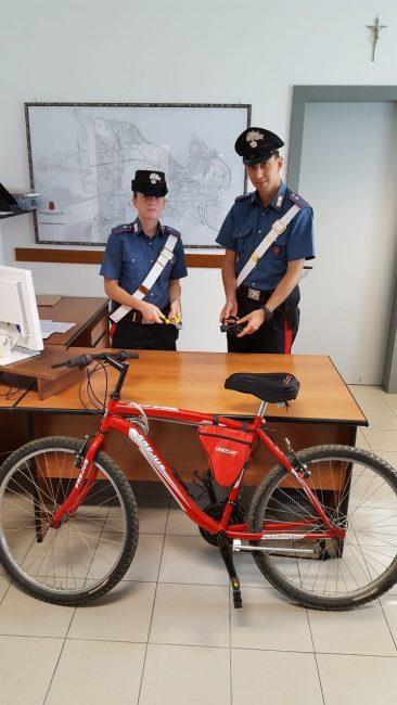 ladro seriale di biciclette