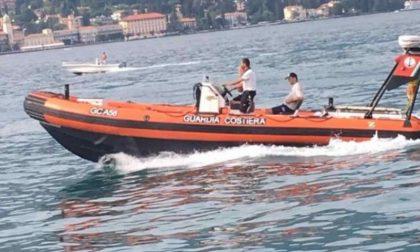 Guardia Costiera salva tre persone e un barboncino