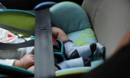 Seggiolini anti abbandono in auto saranno obbligatori, forse già in autunno