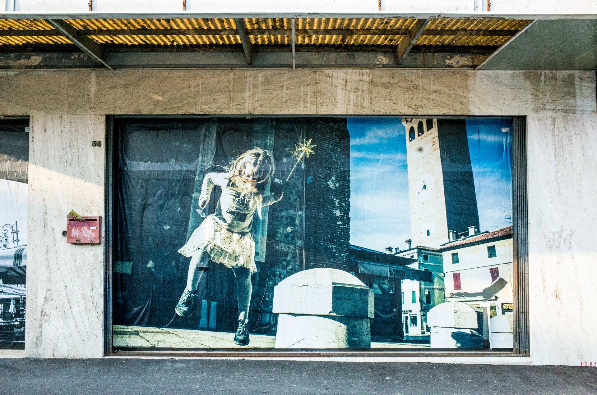 vetrine dei negozi bassano