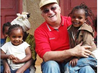 """Padre Giuseppe Cavallini, un prete da """"safari"""""""