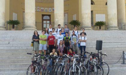 Oltre 300 studenti in bici