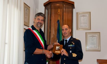 Il sindaco di Sarnano visita il Terzo Stormo di Villafranca