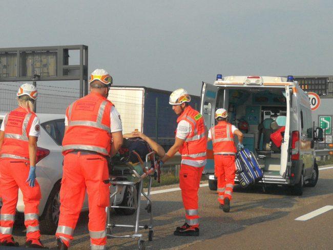 Incidente in tangenziale sud, un ferito