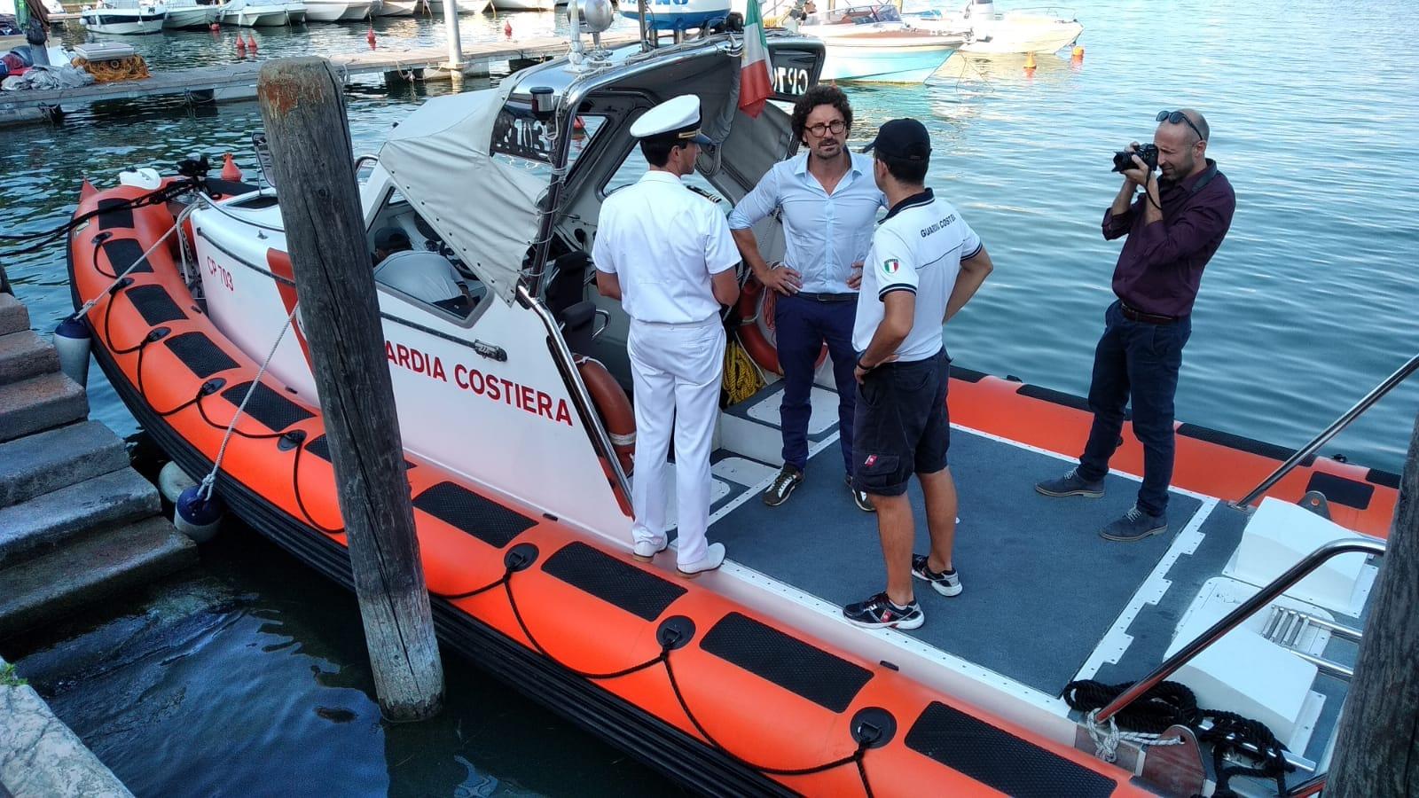 Il Ministro Toninelli sul Lago di Garda. Una visita che ha giovato a entrambe le parti.