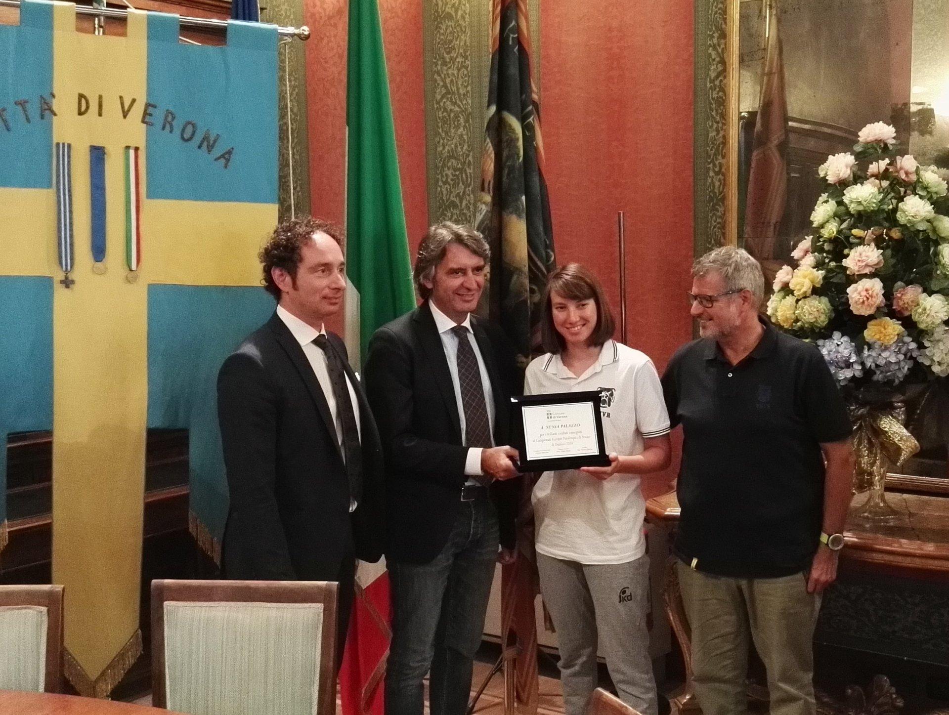 Premiati i campioni del nuoto italiano.Una targa per celebrare le medaglie, ma anche i primati italiani e le grandi prestazioni realizzate ai recenti Europei di nuoto di Glasgow e Dublino.