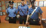 Giovane scappa alla vista dei carabinieri, scoperto con mezzo etto di droga