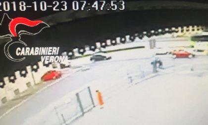 Donna accoltellata a Verona, il video dell'aggressione